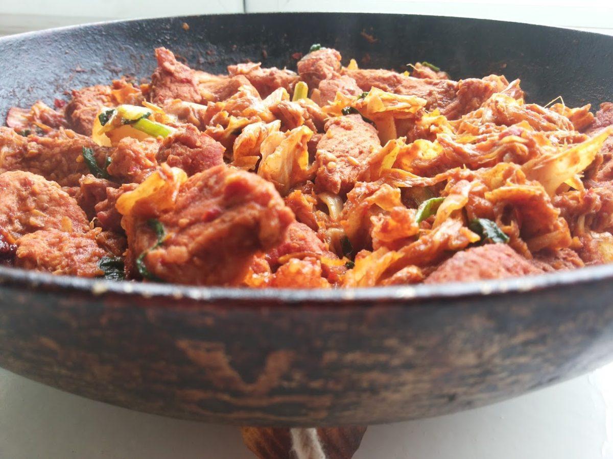 Кимчи поккум — Корейская кухня