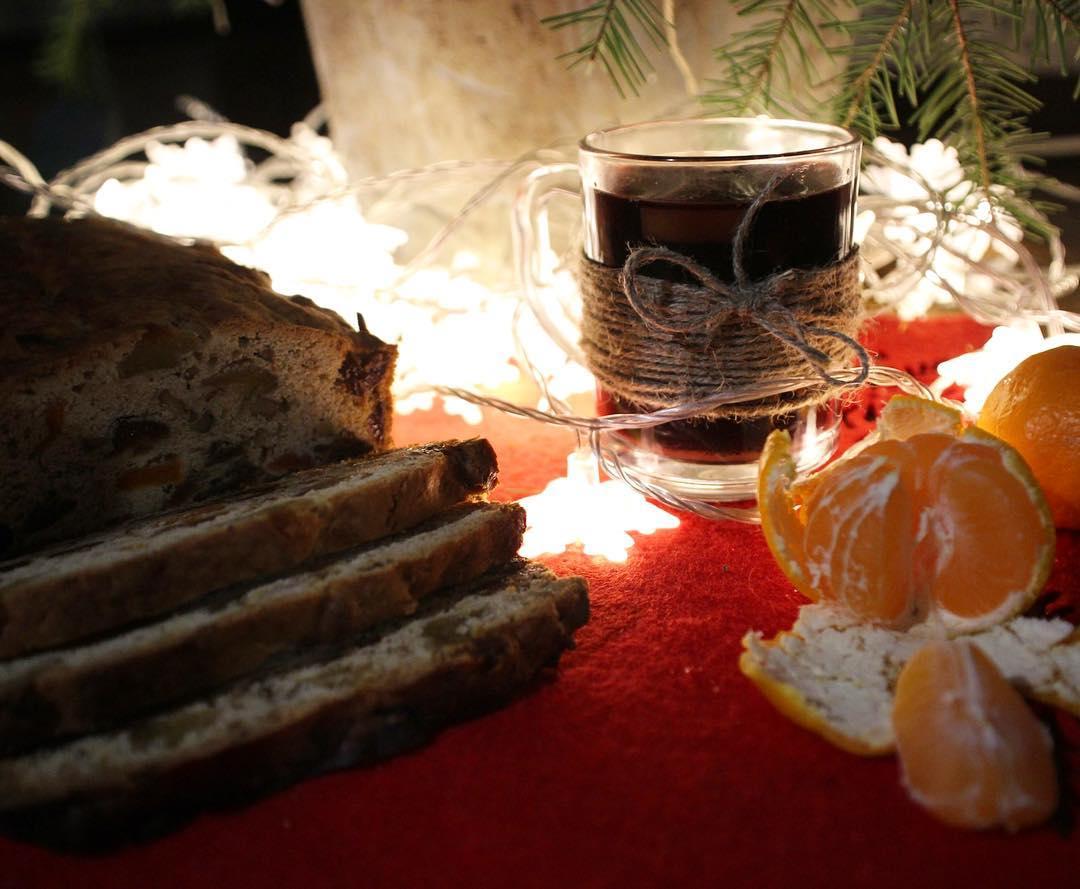 Глинтвейн, мандарины и рождественский кекс