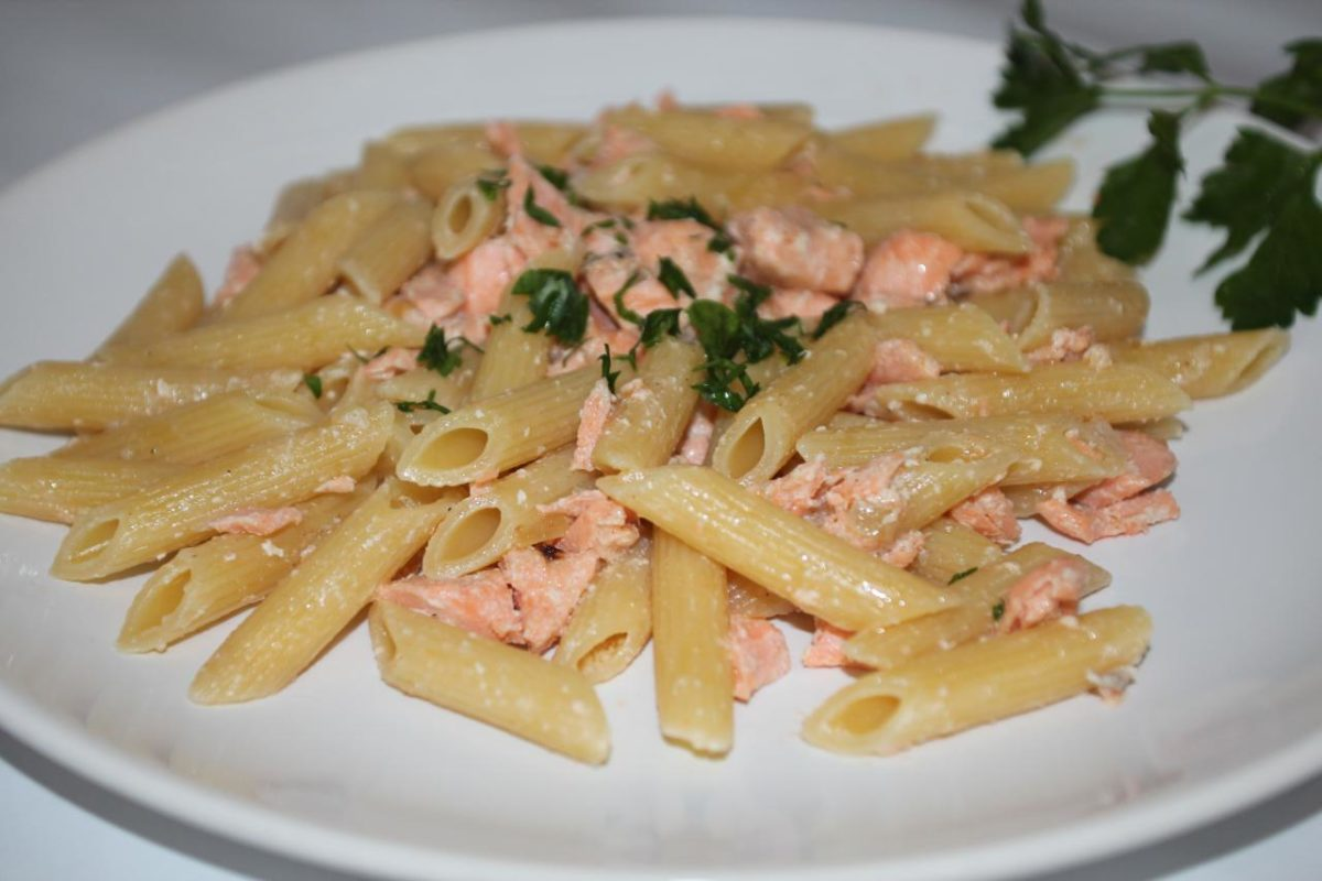 Паста с лососем и сливками — Итальянская кухня
