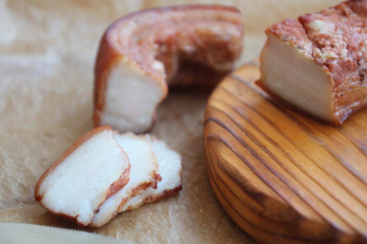 Сало в луковой шелухе — Русская кухня