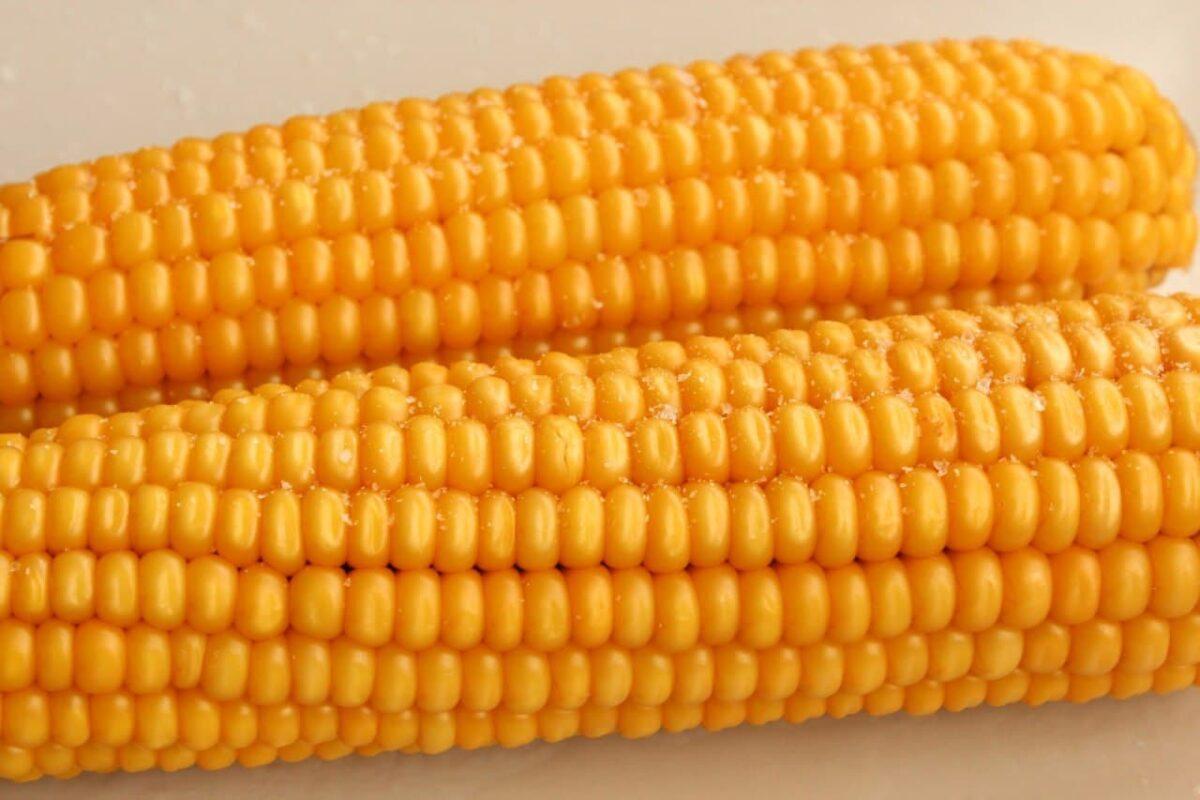 Вареная кукуруза — Русская кухня
